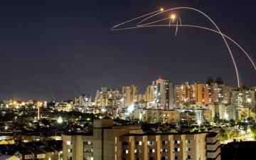 الجيش الاسرائيلى : إطلاق 60 صاروخاً من قطاع غزة باتجاه إسرائيل خلال الليلة الماضية