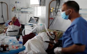 العراق يعلن دخوله في موجة وبائية ثالثة أكثر خطورة من الموجتين الأولى والثانية