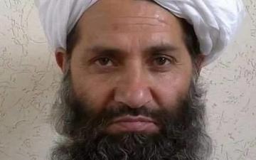 من هو زعيم حركة طالبان التى باتت تسيطر على افغانسان ؟