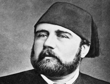 الخديو إسماعيل .. صانع نهضة أم زير نساء ؟