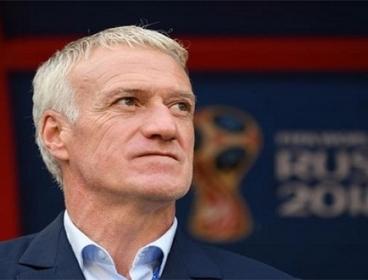 ديشامب يؤكد استمراره فى قيادة منتخب فرنسا بعد التتويج بالمونديال