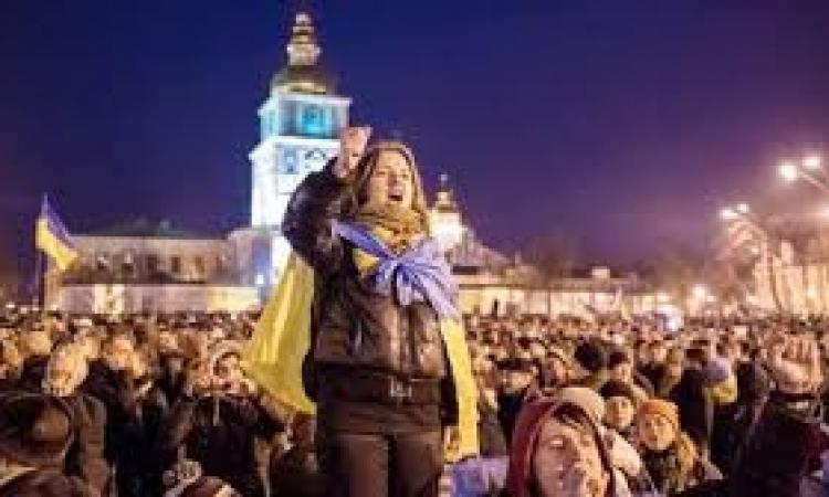 """مكالمة بين """"اشتون وبايت"""" تكشف عن تورط المعارضة الأوكرانية في قتل """"الأمن والمتظاهرين"""""""