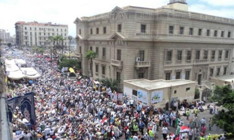 توافد العشرات على القائد إبراهيم احتفالا بالثورة