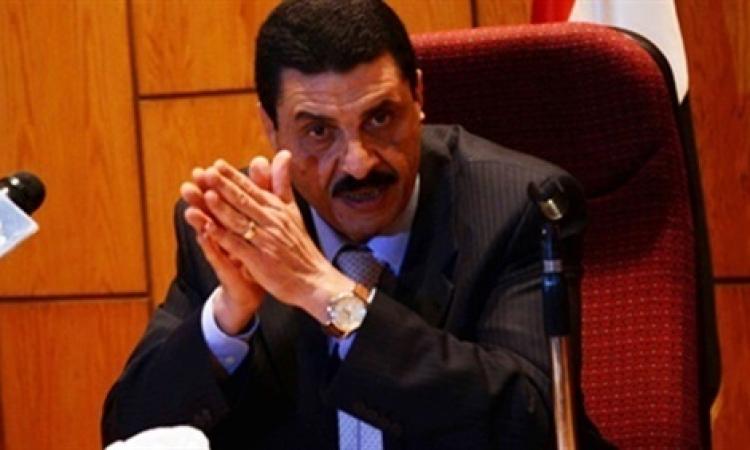 مدير أمن الإسكندرية يتفقد الميادين احتفالا بذكري الثورة