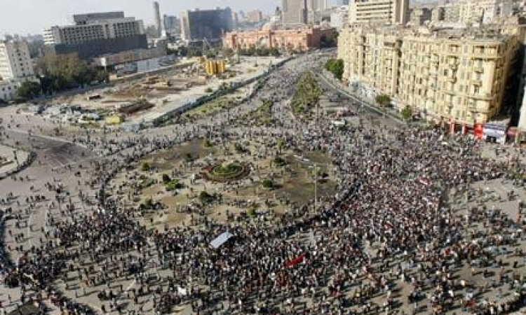 """بدء توافد المواطنين على """" التحرير"""" للاحتفال بذكري ثورة يناير"""
