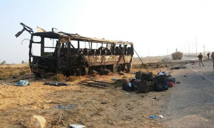 جنازة مهيبة لشهيد حافلة جنود سيناء بالمنيا