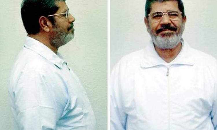 غدا.. مرسي خلف القضبان في أولى جلسات قضية اقتحام السجون