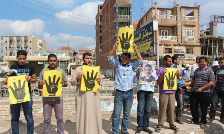 الأهالي يفضون مظاهرة لأنصارالإخوان بدمياط الجديدة