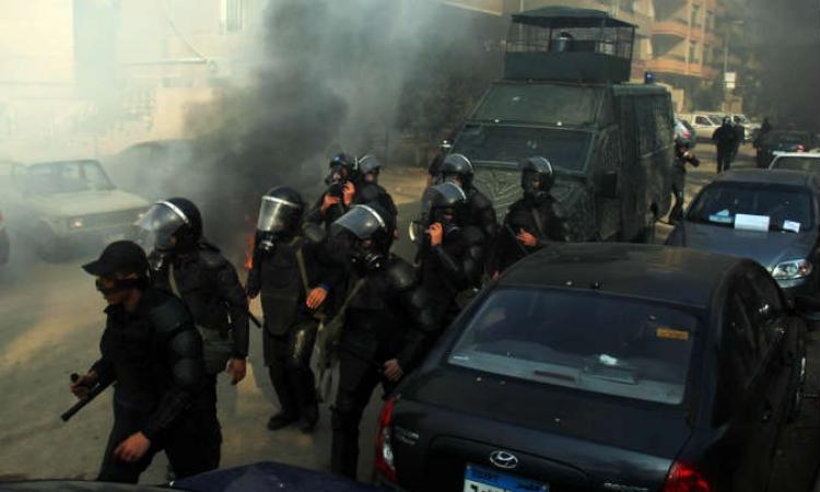 """اشتباكات  بين الشرطة و""""الإرهابية"""" بالمنيا  وأنباء عن إصابة مواطن بطلقات نارية"""