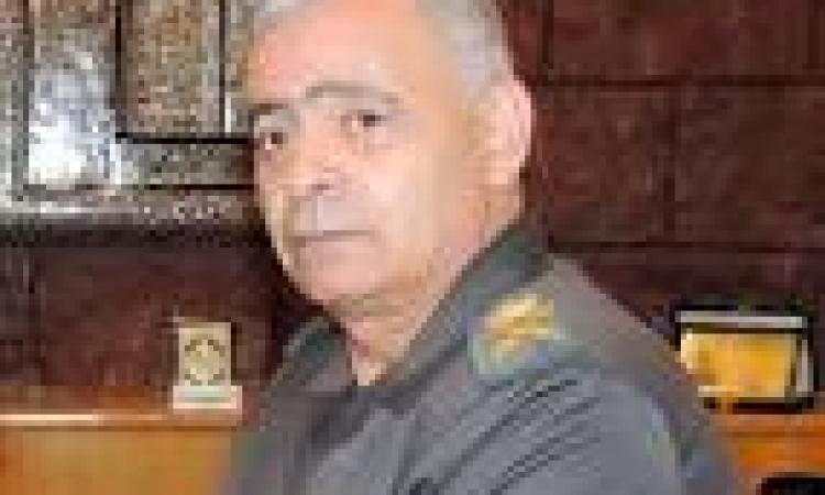 السروي يكرم 34 من الحاصلين علي  شهادات محو الأمية بالسويس