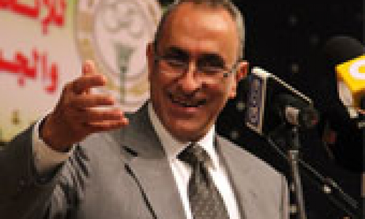 أبو حديد: لا سبيل إلا تحقيق العدالة وتوفير كافة مستلزمات الإنتاج للفلاح