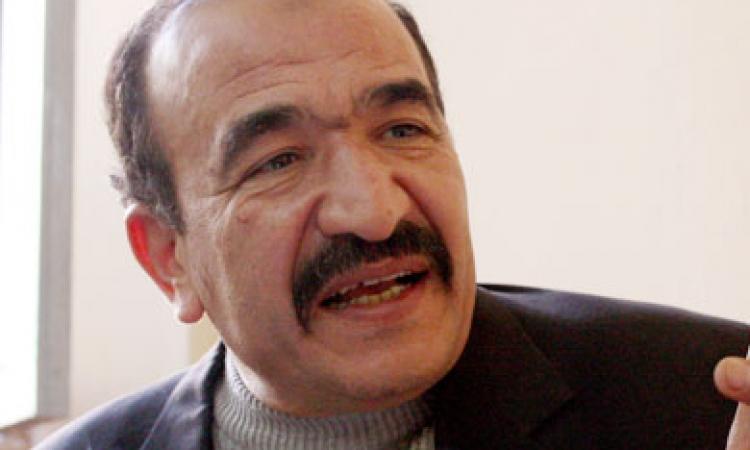 """"""" أبو عيطة """" يلتقى وكيل الوزارة المختطف وينفي دفع فدية لإطلاق سراحه"""