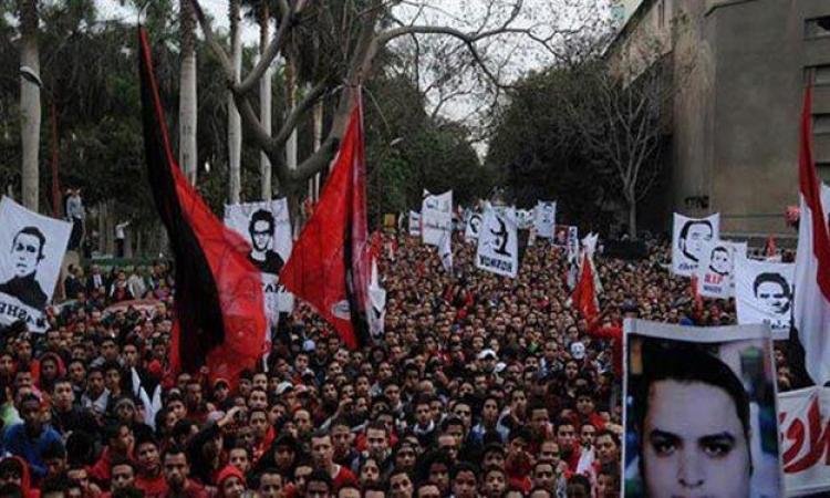 أهالى ضحايا مذبحة بورسعيد أمام النادى الأهلى للمطالبة بعدم اللعب أمام المصرى