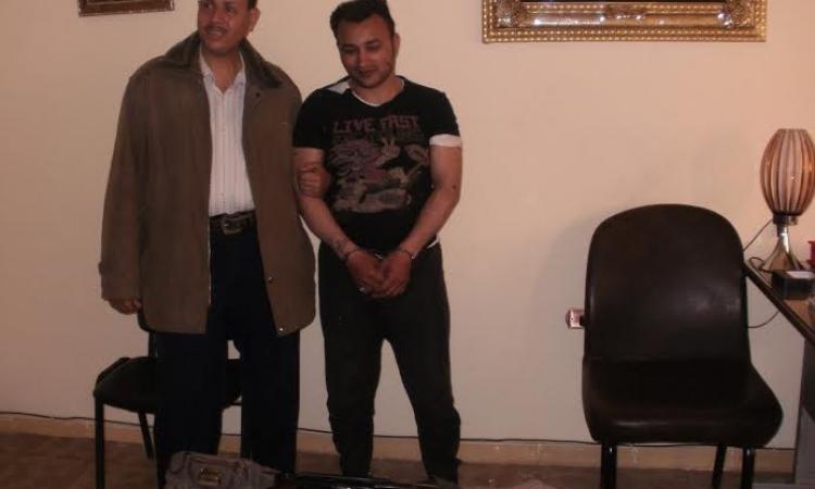 بالصور .. جنايات الزقازيق تعاقب أخطرالعناصر الاجرامية لحيازته قنبله يدوية وبندقيه