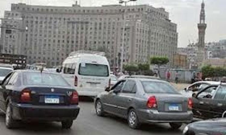 """حملة أمنية بـ""""التحرير"""" لضبط السيارات والدراجات المخالفة"""