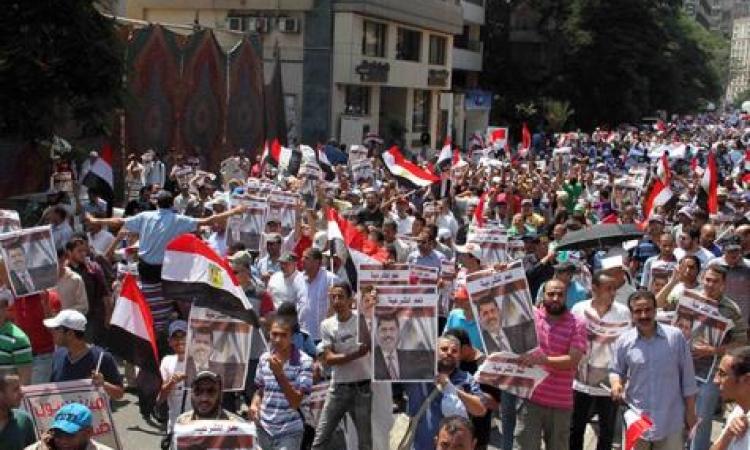 مظاهرات لأولتراس ربعاوي  أمام مسجد التوحيد ببورسعيد