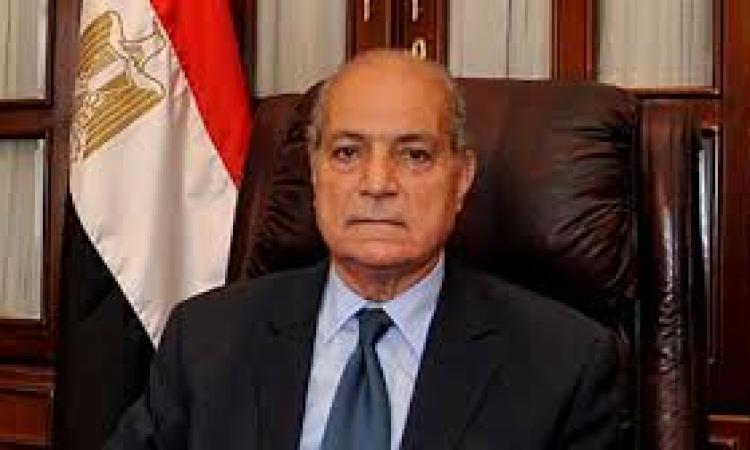 وزير العدل يجتمع مع مساعديه لمناقشة استقالة الببلاوي