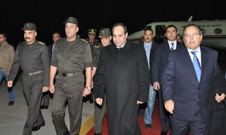 بالصور..السيسي يعود للقاهرة قادما من موسكو