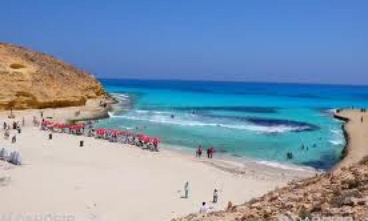 سفير مصر بفرنسا يشارك في فعاليات للترويج للسياحة إلى مصر