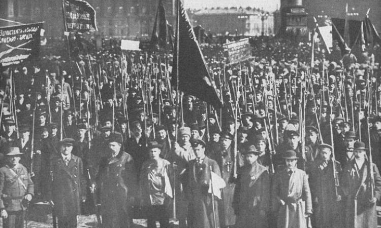 زي النهارده.. اشتعال الثورة البلشفية بروسيا و براءة اختراع لمحركات الديزل