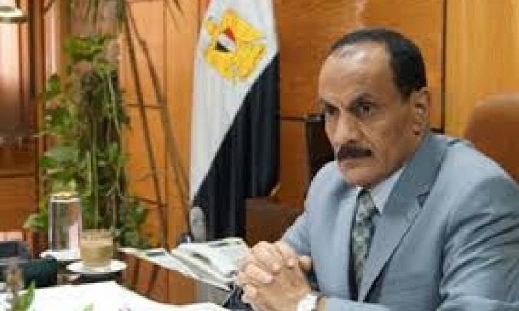 فى جولة ميدانية .. رئيس جامعة أسيوط يتفقد خطة تطوير وتجميل الحرم الجامع