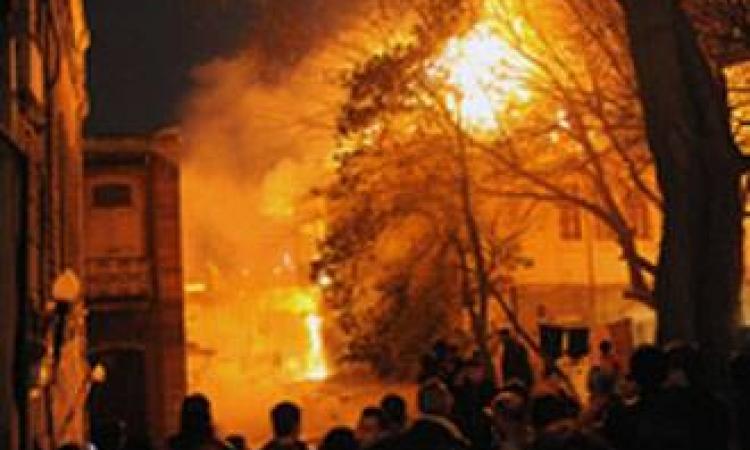 مجهولين يحرقون سيارة مورد للقوات المسلحة بالشرقية