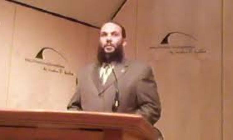 عضو بالدعوة السلفية: لا يصح أن تمنع الشعارات الدينية بدون تحديد مواصفاتها