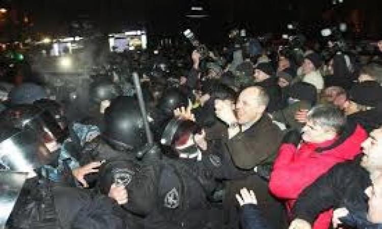 """هآرتس: إسرائيل تتخذ """"اللا موقف"""" من الأزمة الأوكرانية"""