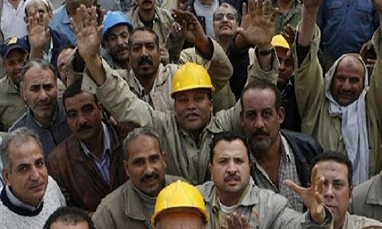 عمال النيل للطرق والكبارى يواصلون اعتصامهم لليوم الثامن