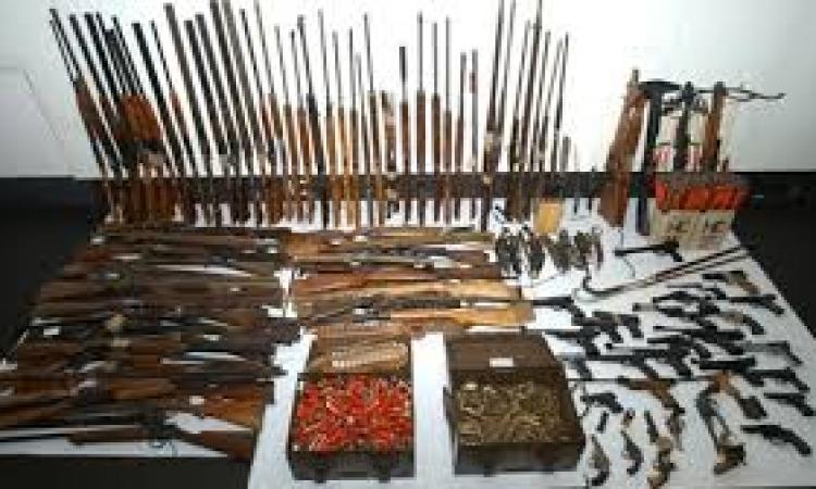 الامن العام: ضبط 225 سلاح و3 ورش للسلاح و33 سيارة مسروقة