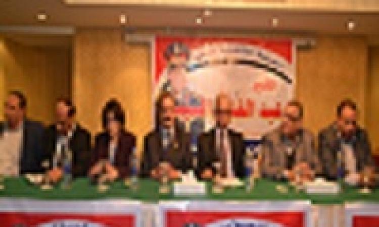"""بالصور.. باسم يوسف يتسبب بانشقاق في حملة """"كمل جميلك"""""""