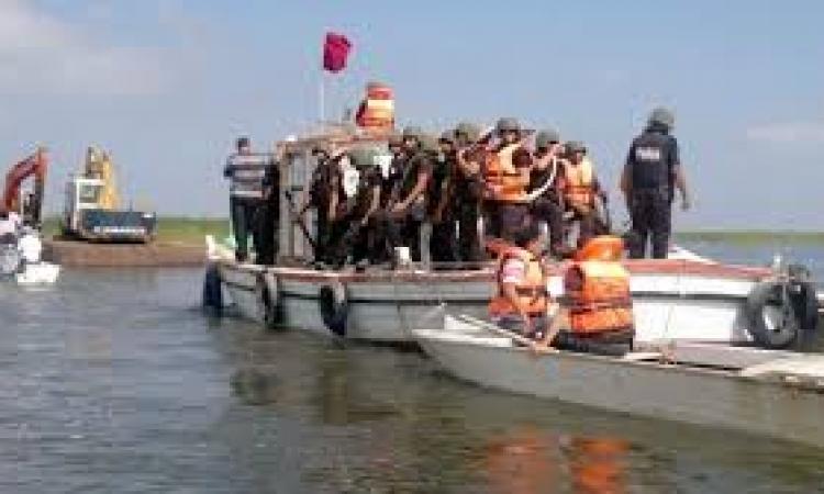 ضبط 30 طن بضائع مهربة من بورسعيد ببحيرة المنزلة