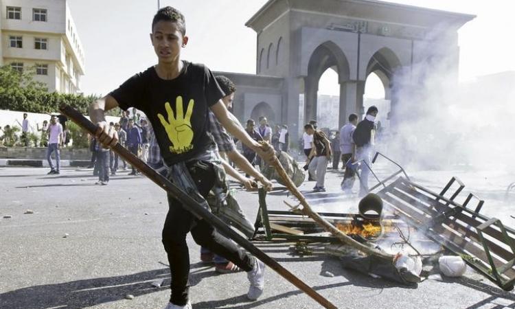 """النائب العام يأمر باستمرار حبس 241 طالبًا في """"أحداث الأزهر"""""""