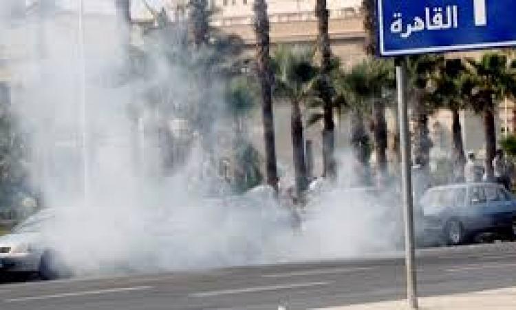 """الأمن يطلق """"الغاز"""" داخل جامعة القاهرة.. ومقتل طالب بطلق ناري في الصدر"""
