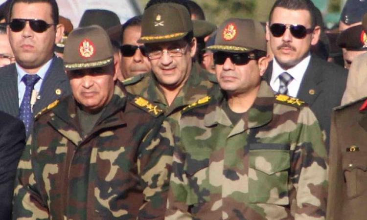المشير السيسي يتفقد أحد تشكيلات القوات المسلحة وفقا لأحدث النظم القتالية