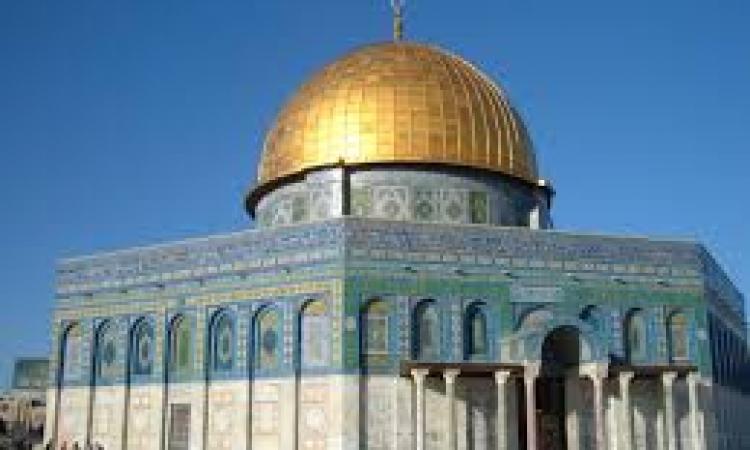 بطريرك القدس يرفض مناقشات سيادة إسرائيل على الأقصى