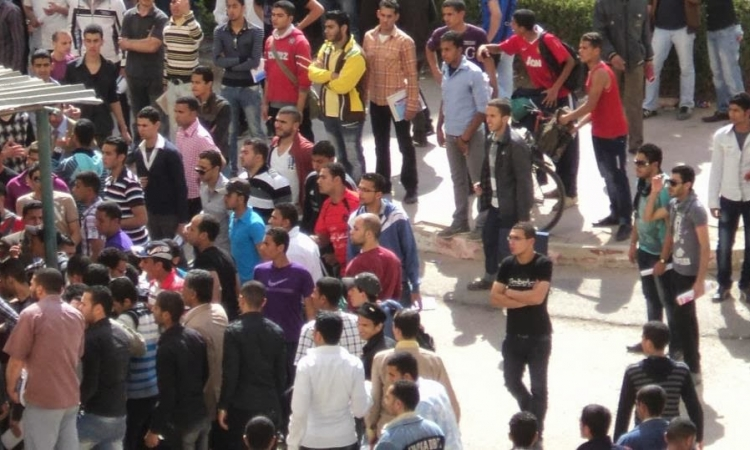 """الجيش يُطوق """"جامعة الزقازيق"""" لمواجهة """"طلاب الإرهابية"""""""