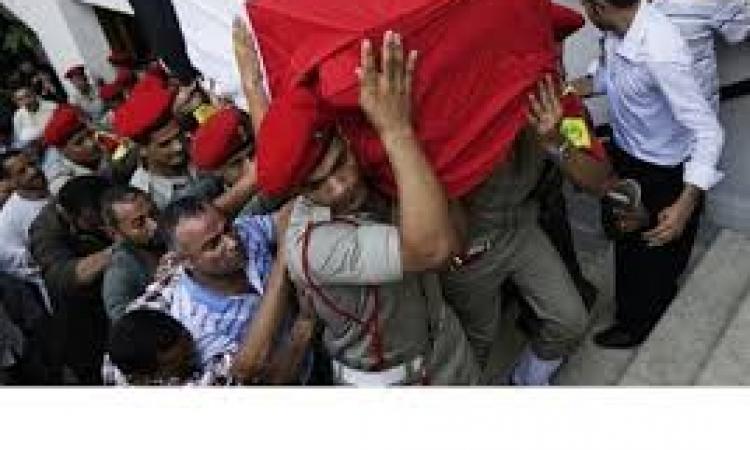 """المشير السيسي يتقدم الجنازة العسكرية لـ""""شهيدي القليوبية"""""""