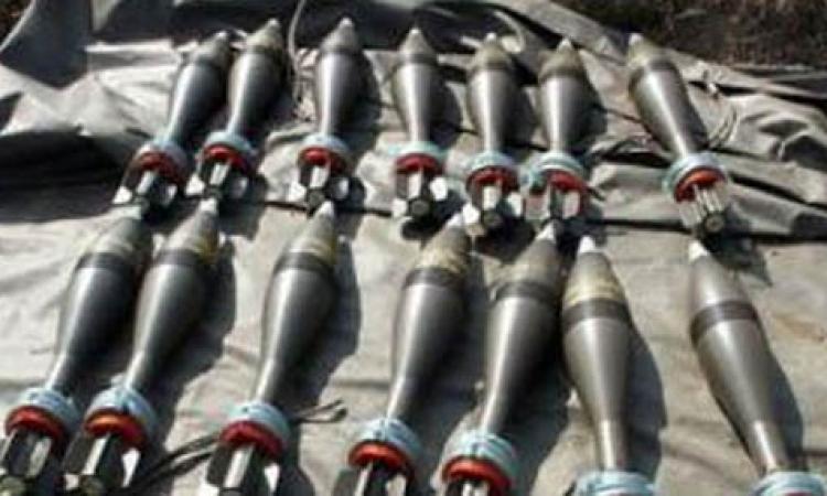 ضبط  ثلاثة أشخاص وبحوزتهم 60 ألف صاروخ وشمروخ ببني سويف