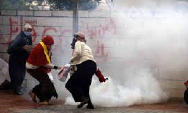 طالبات الاخوان يتظاهرون بمحيط طب اسنان الازهر