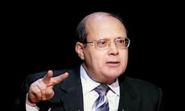 فيديو.. مشادة كلامية بين «قنديل» و«بغدادي» لخلافهم بشأن محاكمة «مبارك» أو تكريمه