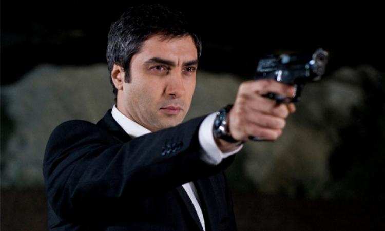 """اغتيال الممثل التركي مراد علمدار بطل مسلسل """"وادي الذئاب"""""""