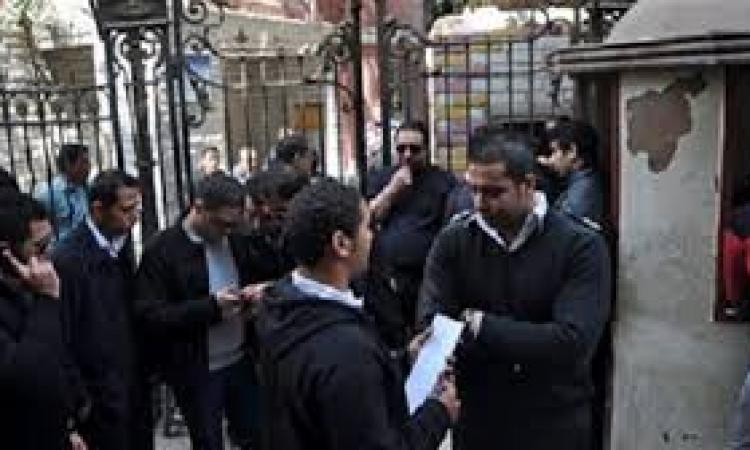 وقفة لأمناء شرطة رفضًا لاحتجاز زميلهم بقنا