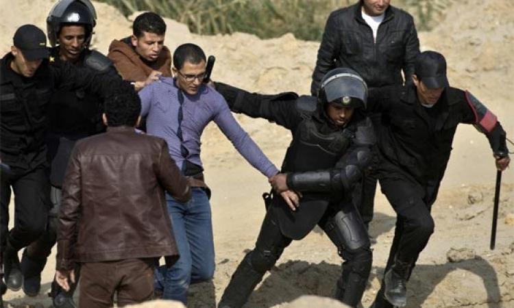 """""""الموقع"""" يفتح ملف اعتقال الأطفال وتعذيبهم داخل السجون وأقسام الشرطة"""