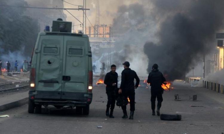 تبادل إطلاق الخرطوش والغاز بين الأمن والإخوان بميدان الألف مسكن