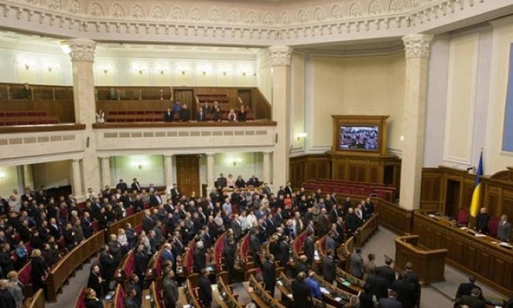 برلمان القرم يصوت على الانفصال عن أوكرانيا
