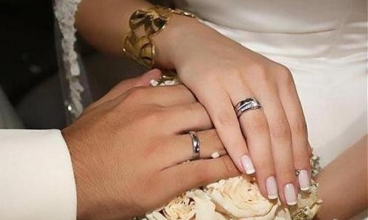 """أبكم يمني رفض تطليق امرأة جميلة تزوّجها كـ """"مُحلَل"""" لمدة شهر"""