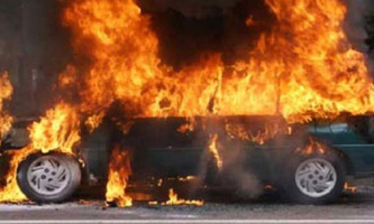 مجهولون يشعلون النيران في سيارتين للأمن المركزي بالجيزة