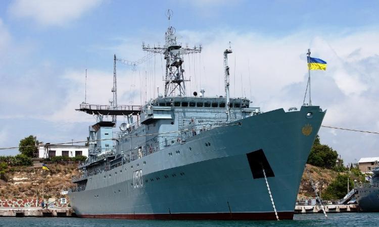 10سفن حربية أوكرانية تغادر قاعدة سيفاستوبول البحرية