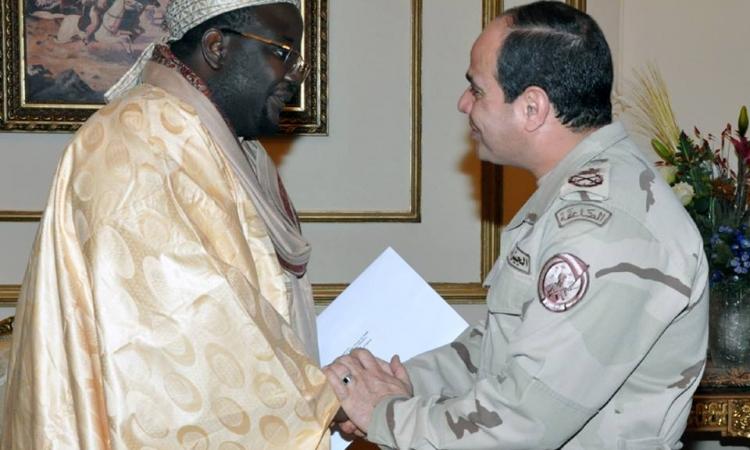 السيسي ومبعوث الرئيس السنغالي يبحثان سبل تدعيم الشراكة بين البلدين